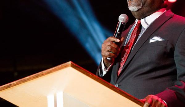 Bishop T D  Jakes gives back in a major way! - Gospel Sunday