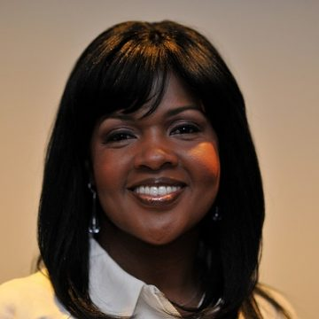 CeCe Winans Gives Fans An Early Christmas Gift!