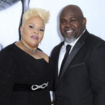 [MUST SEE] Tamela Mann's Hilarious Prank On Hubby David!