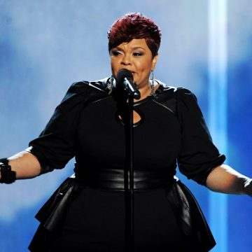 Tamela Mann Shows Off Her Skill As A Grocery Bagger!