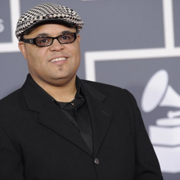 Israel Houghton Shuts Down Man Who Came For His WIfe!
