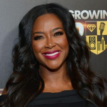 Kenya Moore Gives First Glimpse Of Miracle Baby