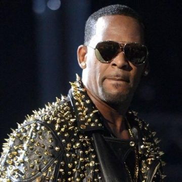 R. Kelly Back In Court Today In Chicago For Child Support Hearing