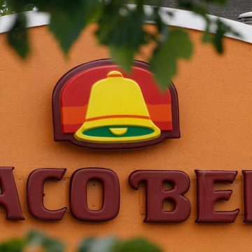 Taco Bell Apologizes After Worker Fired Over Black Lives Matter Mask