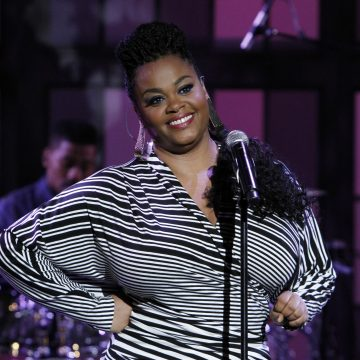 Jill Scott Gets Oral on the Microphone