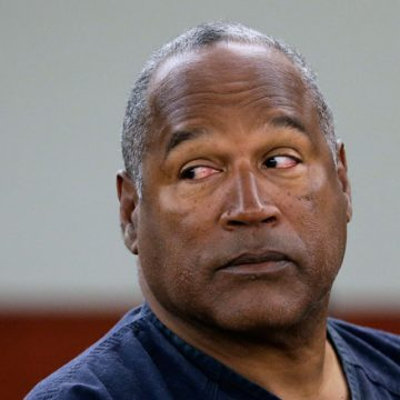 Ex Manager Says OJ Didn't Act Alone in Slayings