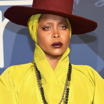 Erykah Badu Urges Dallas to Stay at Home