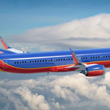 Southwest Airlines to Keep Middle Seat Open Through Thanksgiving