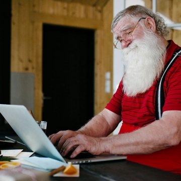 This Company Pays $25/Hr. for Virtual Santa's