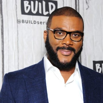 Tyler Perry Gives Moving Speech At People's Choice Awards