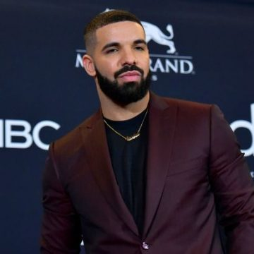 Drake's Home Stormed By a Woman With a Knife