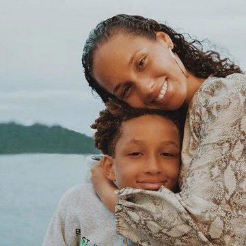"See Proud Mama Alicia Keys and 10-Year-Old Egypt Duet ""Sweet Dreams"" on the Piano"