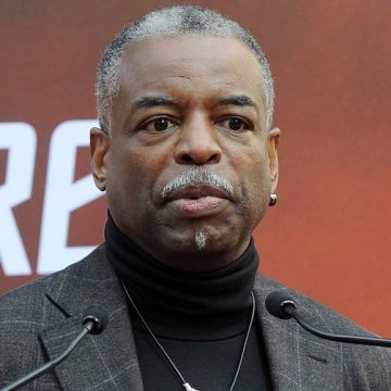 LeVar Burton to Guest Host on Jeopardy Today