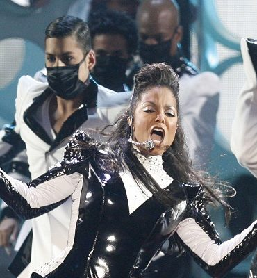Janet Jackson performs at the MTV Music Video Awards, Sunday, Sept. 13, 2009 in New York.  (AP Photo/Jason DeCrow)