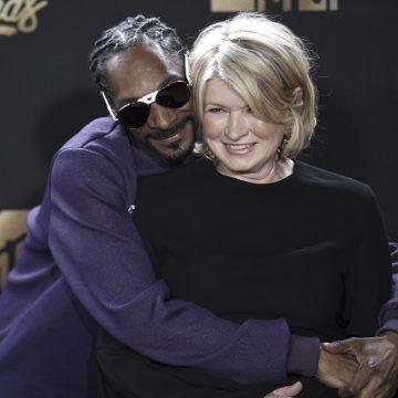 Major Stars Join Snoop & Martha in the Kitchen!