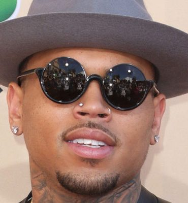 Chris Brown had plans to ask Rihanna to marry him