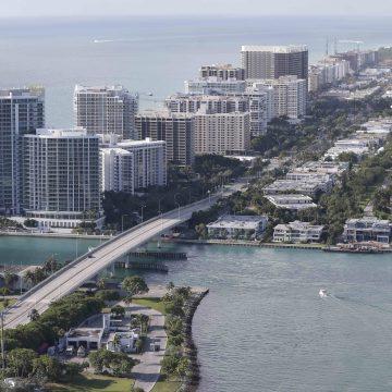 A bridge collapsed in Miami at Florida International University