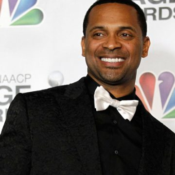 Mike Epps is engaged to television producer Kyra Robinson
