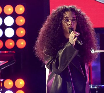 WATCH Ella Mai's Saturday Night Live Performance