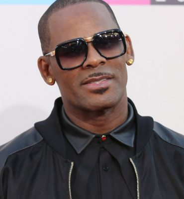 There's a petition to take R Kelly's music off the radio