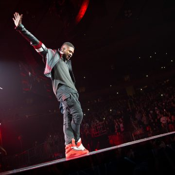 A Report Says Usher Does Not Have Herpes and Wrote No Settlement Check