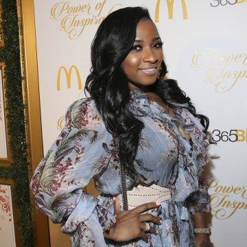 Toya Wright announces to the world that she is having a girl