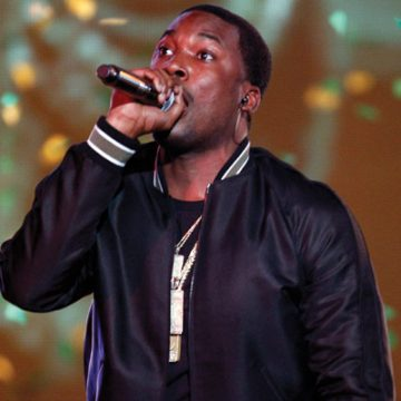 A court clerk was fired for slipping a note to Meek Mill asking for money