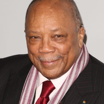 Quincy Jones is apologizing for spilling everybody's tea but