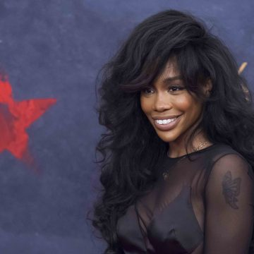 Le'Veon Bell of the Pittsburgh Steelers Wants SZA to be His Valentine