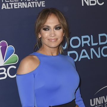 Jennifer Lopez is launching a cosmetics line this month