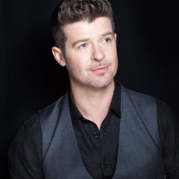Robin Thicke's Girlfriend Got Shamed Over a Breastfeeding Photo