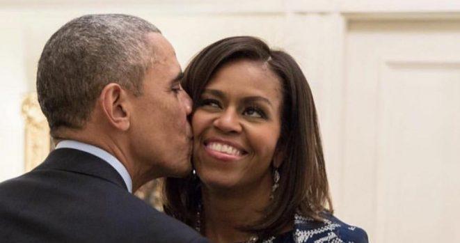 kissing obamas